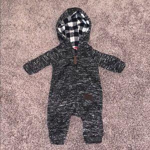 🚀 CLEAR OUT ‼️ Carters Baby Boy PJ/or Warm Outfit